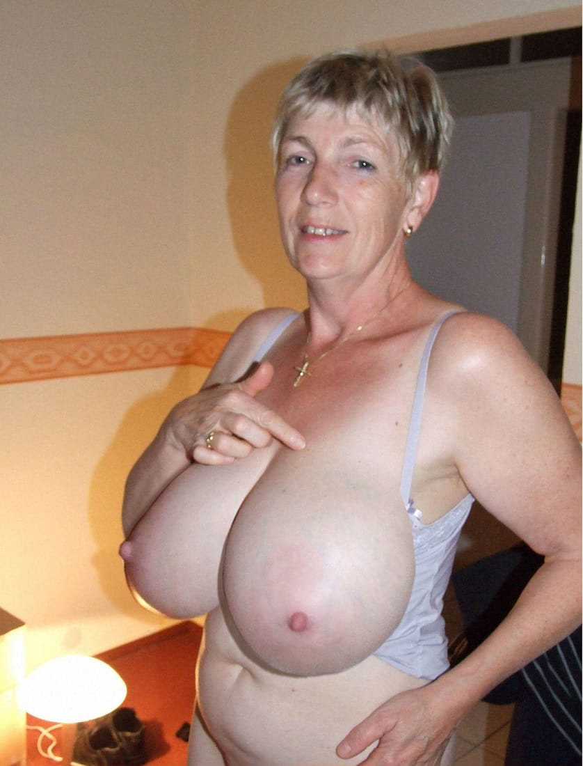 hot mature pussy in the wood