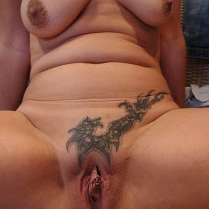 Muschi Piercing und tattoo