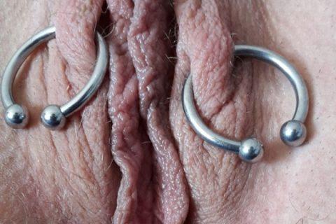 dicke Lippen Muschi Piercing