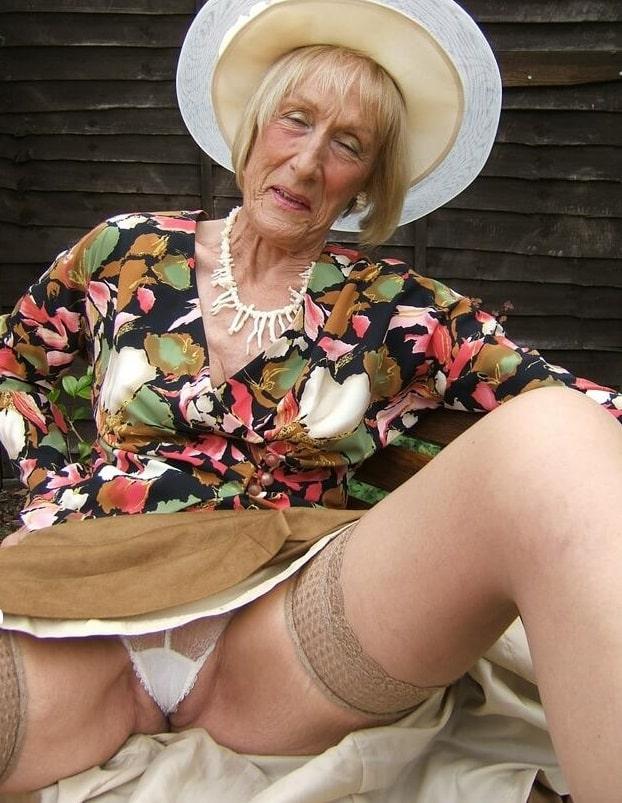 Frau muschi alte Sex mit