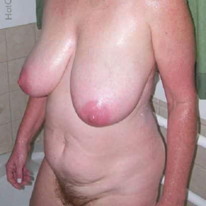alte omas in der Dusche