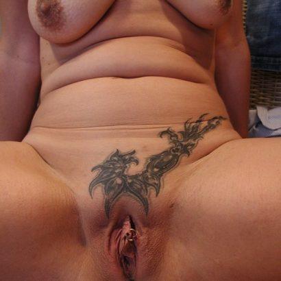 Frauen Muschi mit Tattoo