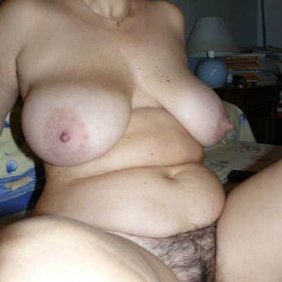 Unrasierte Muschi dicke Titten