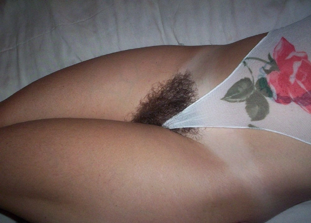 Bilder haarige muschis Haarige Muschi