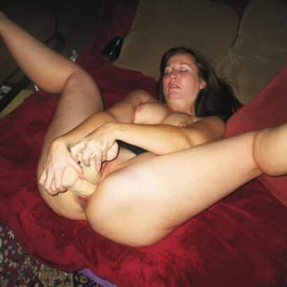 Geile muschi auf der Couch